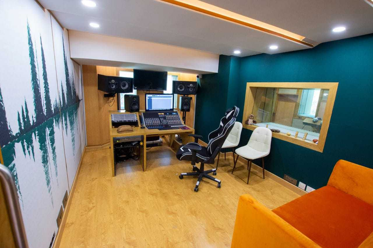 bay-owl-studios5